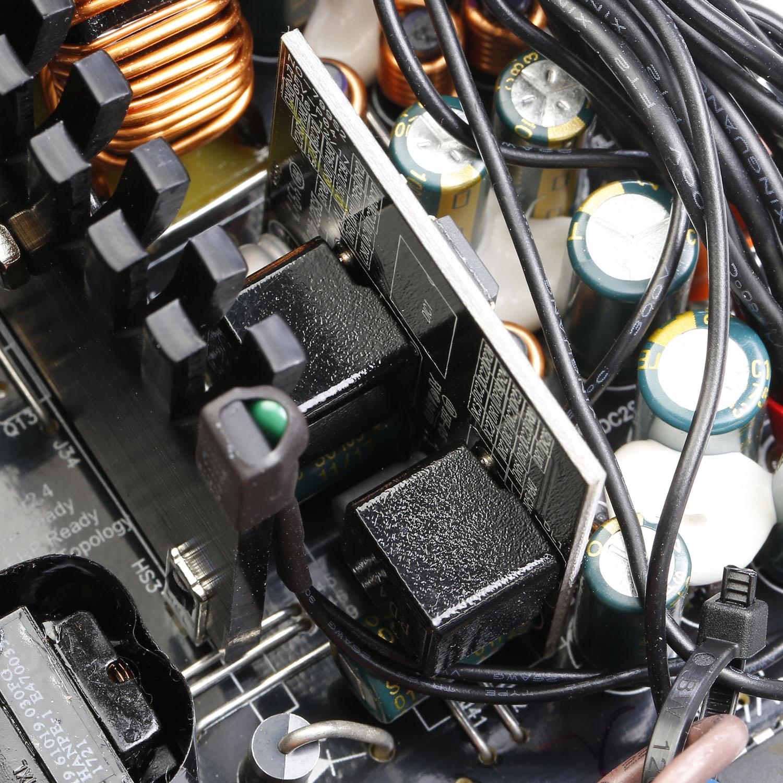 EUD Series DC to DC Power Supply Inside 01 - منبع تغذیه کامپیوتر گرین مدل GP380A-EUD